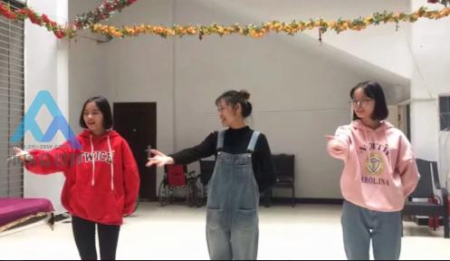 南充技师学院志愿者到顺庆区果山街社区开展关爱空巢老人活动