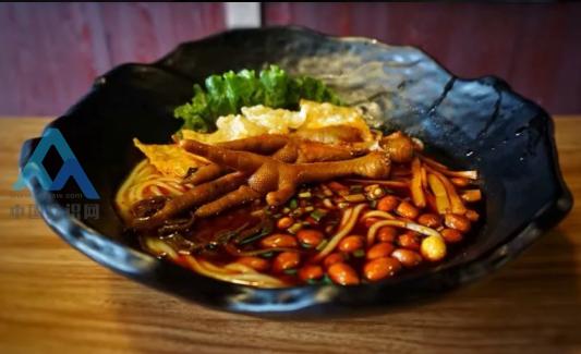 南充知名小吃《黑暗料理、螺蛳粉》闻着味重,吃着最香-伽5自媒体新闻网-关注民生/资讯/公益/美食等综合新闻的自媒体博客